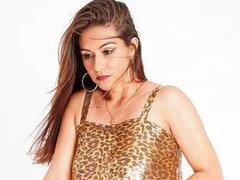 ⑤ Lina (Indian NRI)